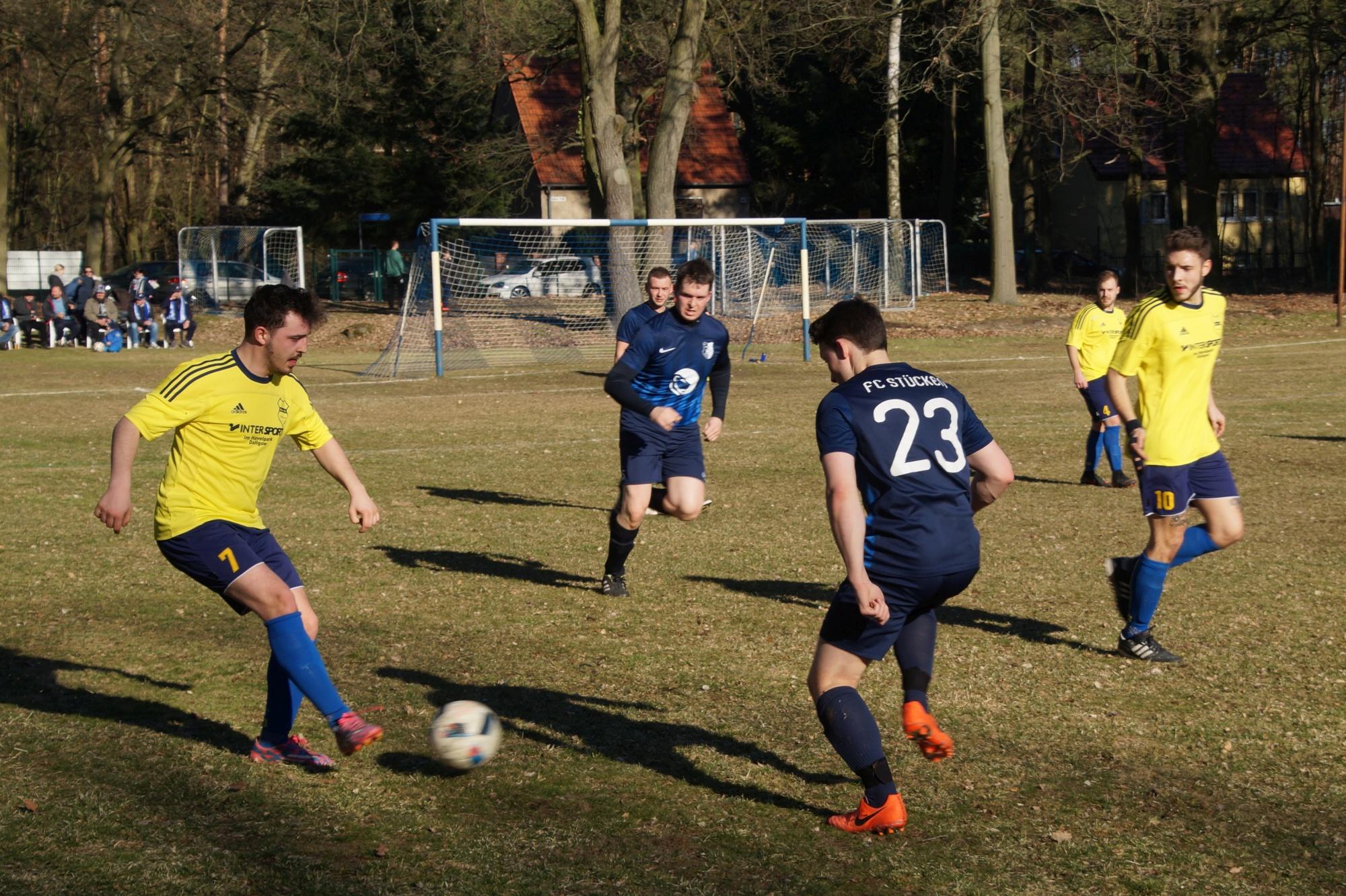 2019-02-24_FC Blau-Weiß Stücken_Blau-Gelb Falkensee_36