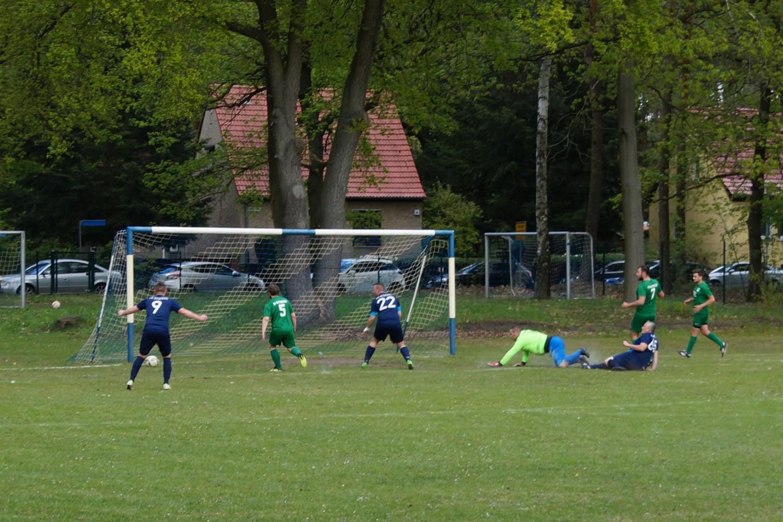 2019-05-05_FC-Blau-Weiß-Stücken-SV-Rehbrücke-II_49