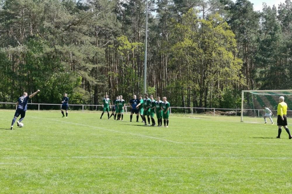2019-05-12_SV-Ruhlsdorf-II-FC-Blau-Weiss-Stücken_10