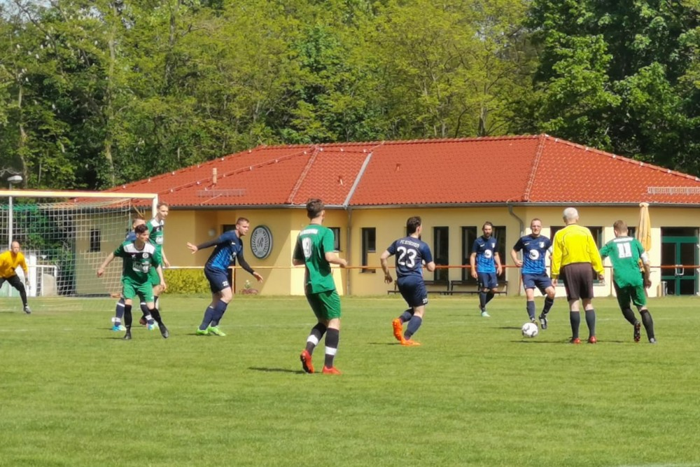 2019-05-12_SV-Ruhlsdorf-II-FC-Blau-Weiss-Stücken_15