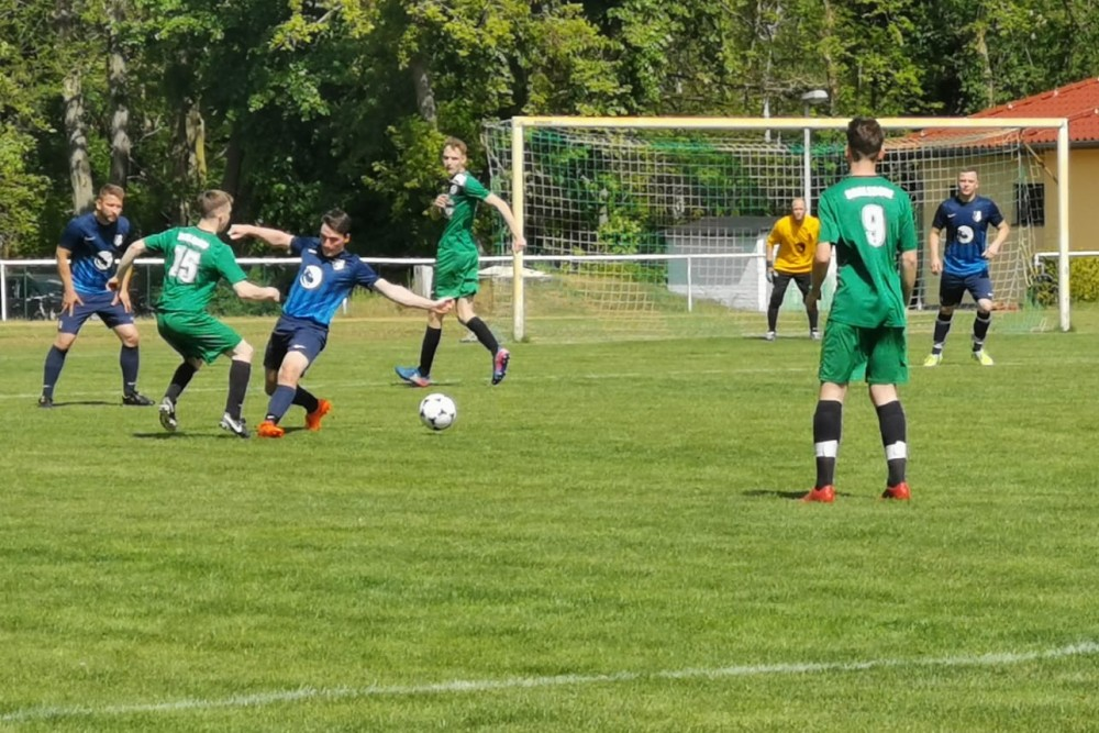 2019-05-12_SV-Ruhlsdorf-II-FC-Blau-Weiss-Stücken_18