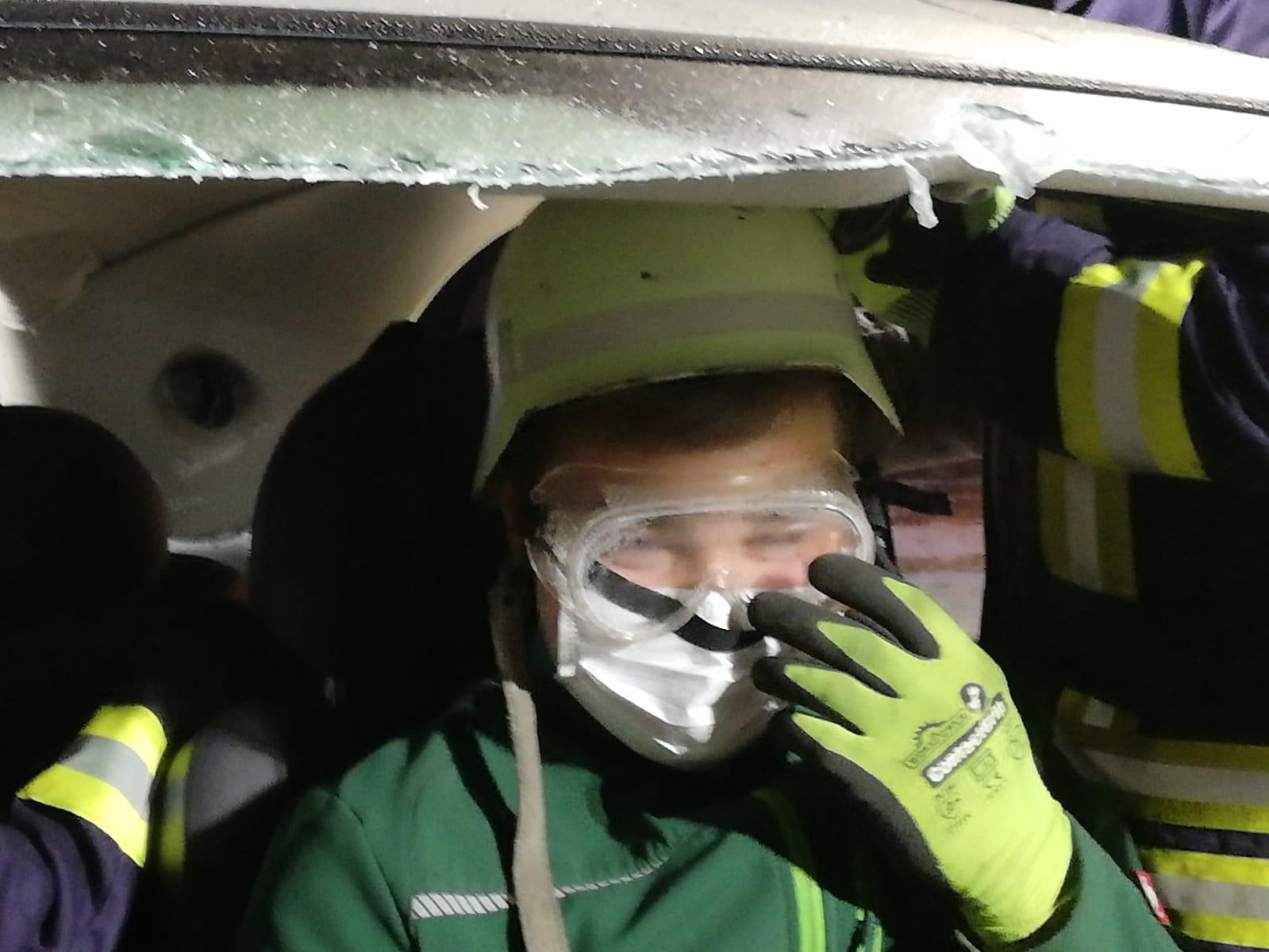 2019-10-23_Feuerwehr-trainiert-Verkehrsunfallhilfe_08